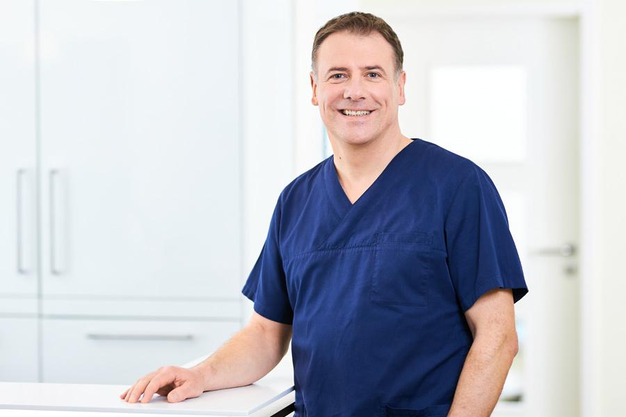 Dr. Matthias Siegler